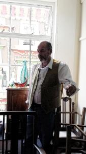Mr Vaughan Warren