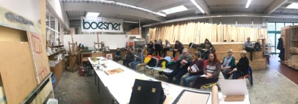 Langsam füllt sich die Vorführung Pastell Mischtechnik bei boesner Hannover, Susanne Haun (c) Foto von M.Fanke
